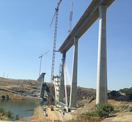 It has been awarded the execution of the elevation of the work AUTOVÍA DEL MEDITERRANEO